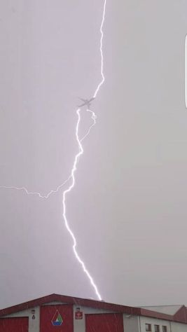 fe-tesla-lightning